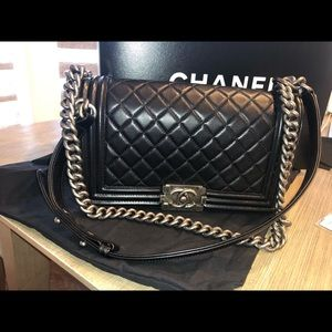 Chanel boy bag old medium lambskin black